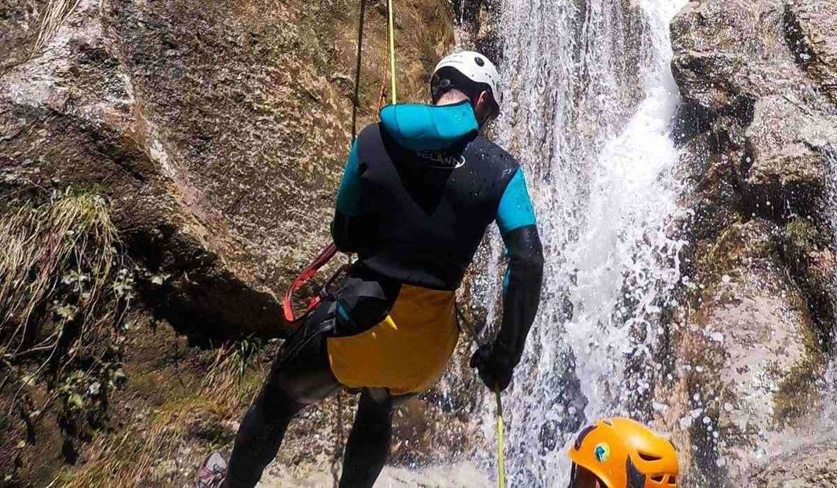 Canyoning Torrent Gravet Rupit Barcelona Slide 3